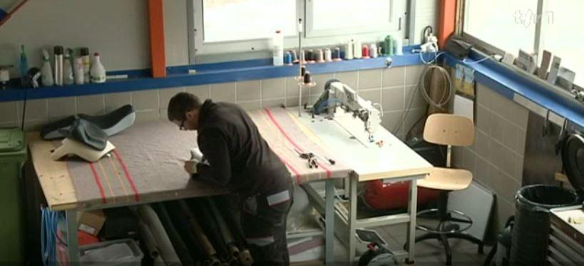 Artigiano/a del cuoio e dei tessili AFC