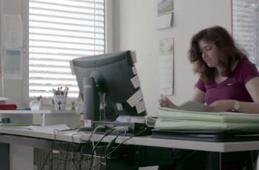 Büroassistent/in EBA – Film mit Porträt einer Berufstätigen
