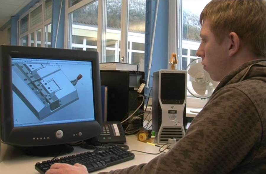 Dessinateur-constructeur industriel / Dessinatrice-constructrice industrielle CFC - Portraits