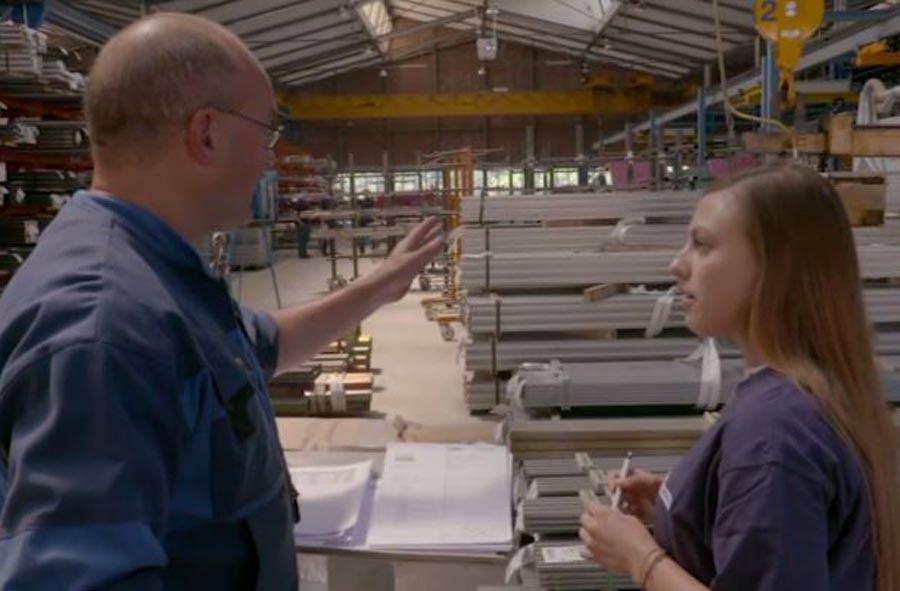 Kaufmann/Kauffrau EFZ – Film mit Berufstätigen aus vier Branchen