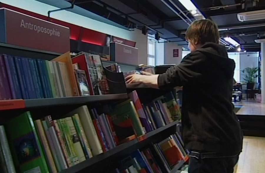 Buchhändler/in EFZ – Film mit Porträt eines Lernenden