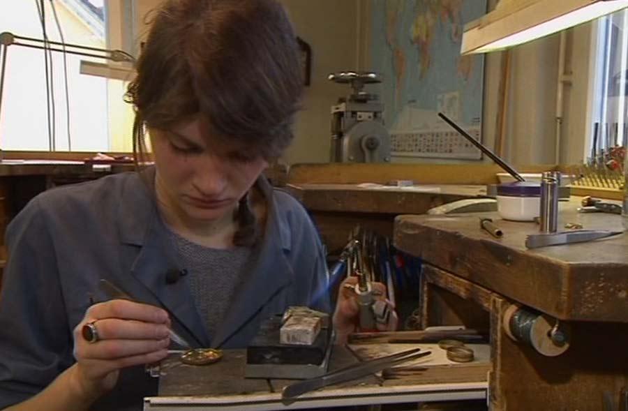 Goldschmied/in EFZ – Film mit Porträt einer Lernenden