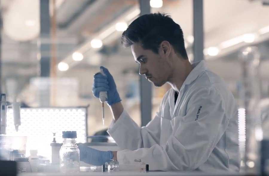 Biomedizinische/r Analytiker/in HF, dipl. – Film mit Porträts von Berufstätigen